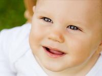赤ちゃんの為の優しい肌着選びのポイントまとめ