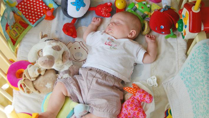 a6ee71d07bf 赤ちゃんの平熱と、正しい体温の測り方まとめ/メイキーズメディア