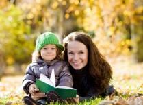子供に絵本の読み聞かせの効果とは?
