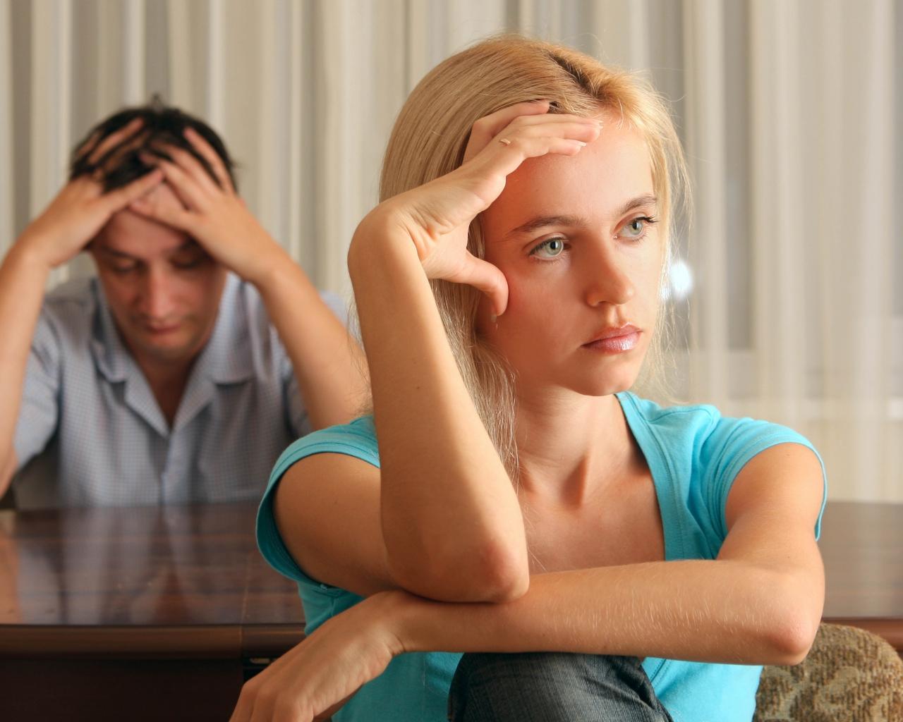 family_quarrels_husband_wife_80682_1280x1024