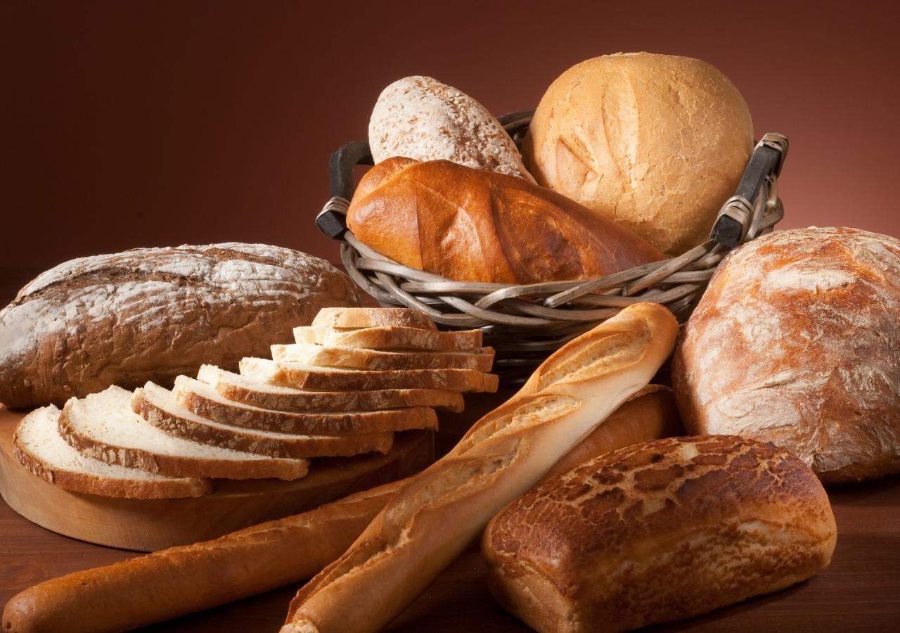 bread_different_sliced_white_bread_basket_board_76825_1280x900