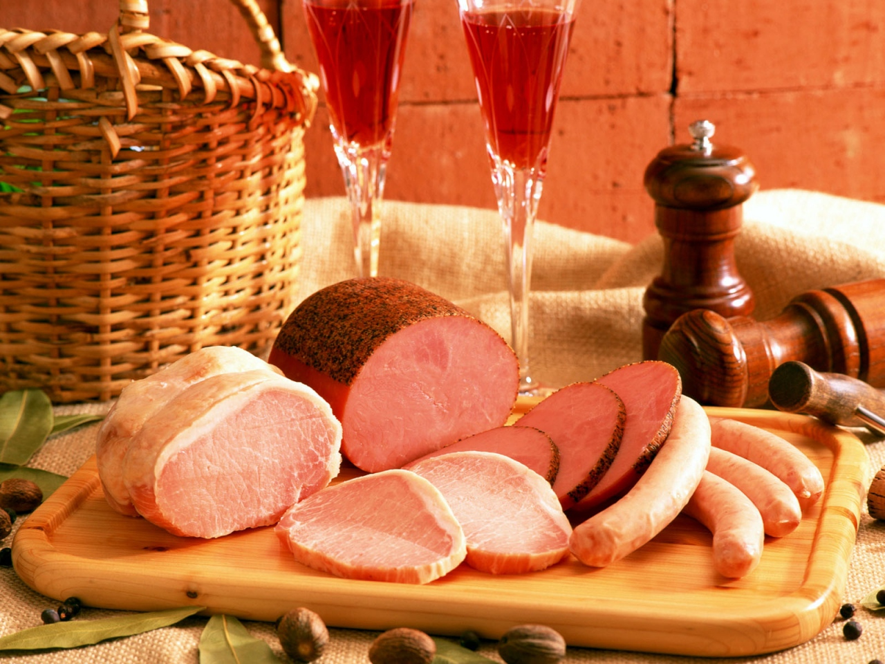 meat_sliced_tasty_86945_1280x960