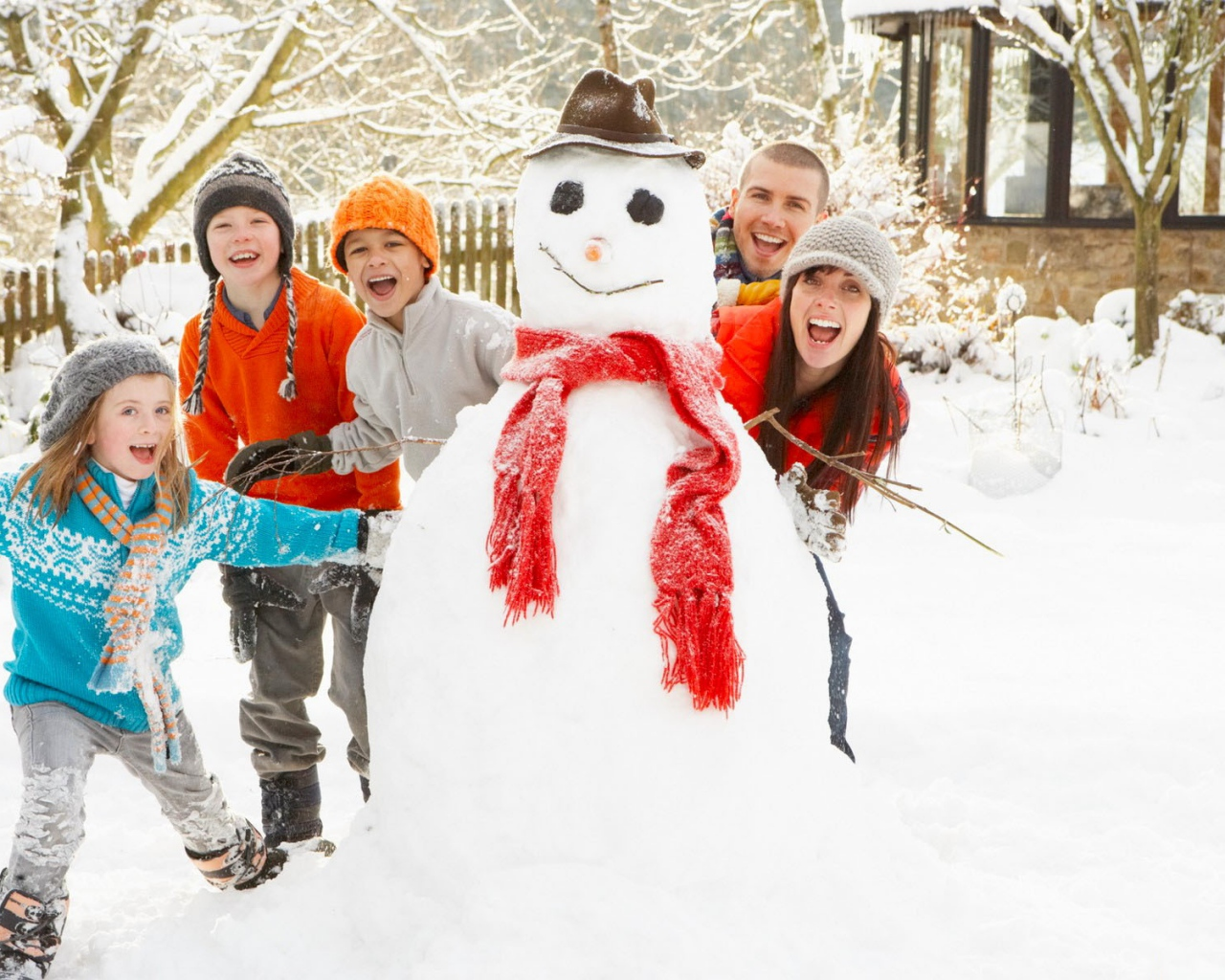snowman_children_snow_winter_games_54512_1280x1024