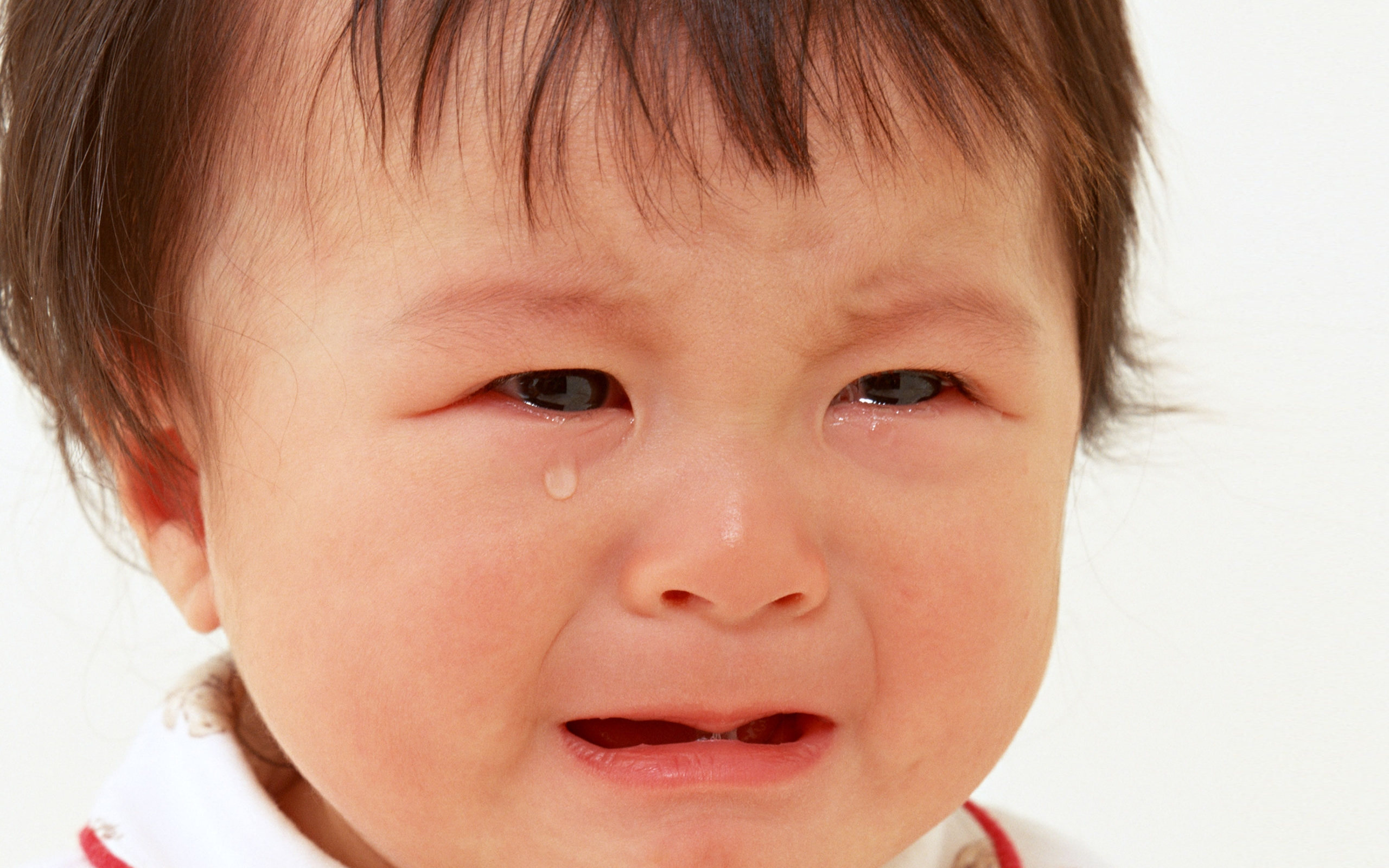 baby_face_tears_emotion_63393_2560x1600
