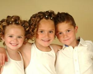 children_three_smile_kids_newborns_39444_1280x1024