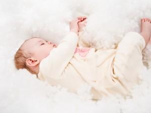 child_baby_lie_down_sleep_25652_1024x768