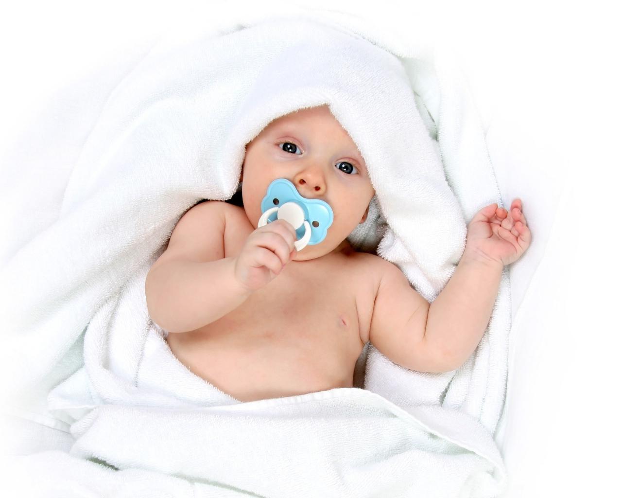 baby_pacifier_blanket_64415_1280x1024