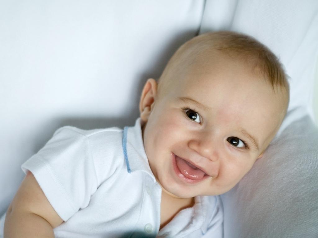 よだれでベタベタ!赤ちゃんのよだれの役割とトラブル対策
