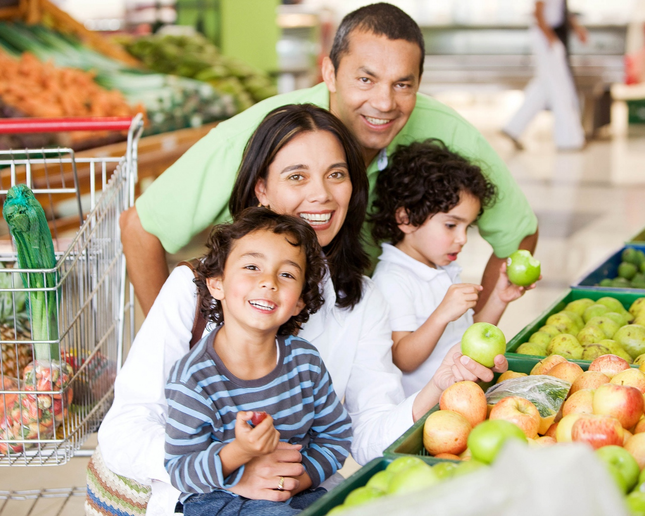 family_food_supermarket_shop_shopping_80678_1280x1024