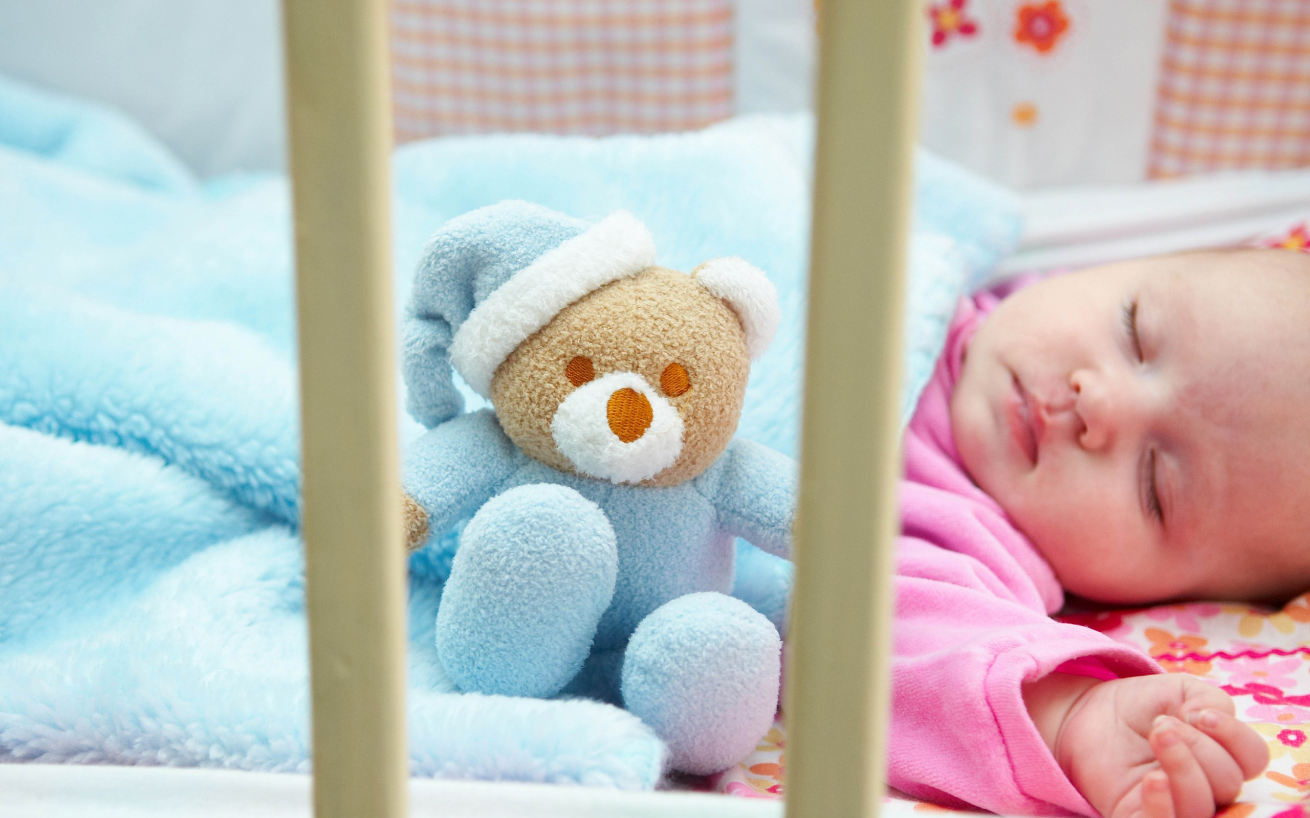 baby_sleep_teddy_bear_toy_riding_80481_2560x1600