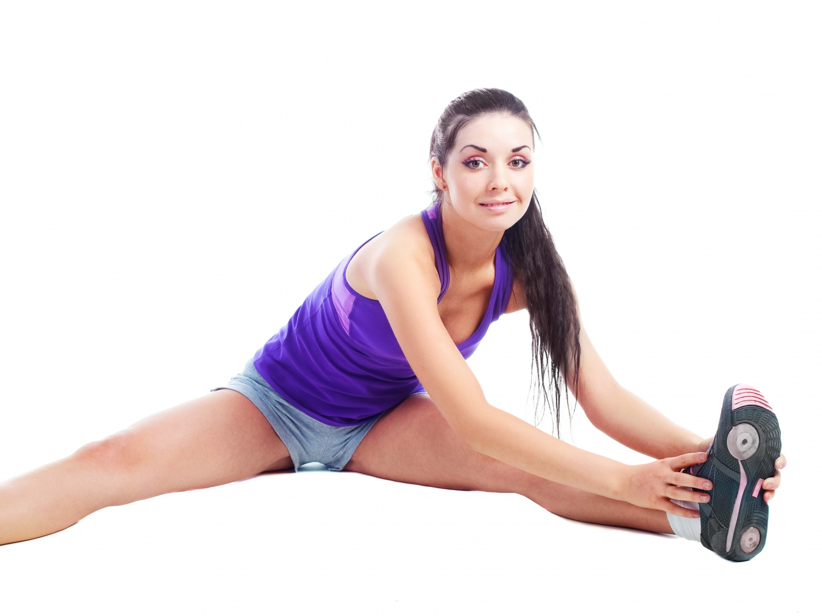 fitness_girl_white_background_79985_1600x1200