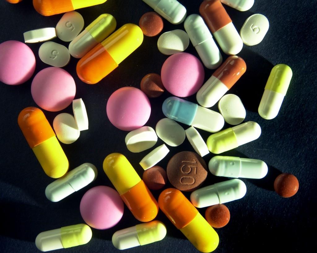 medicine_pharmacy_pills_fake_law_98419_1280x1024