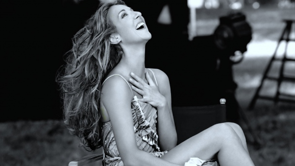 celine_dion_smile_neck_dress_hair_12808_602x339