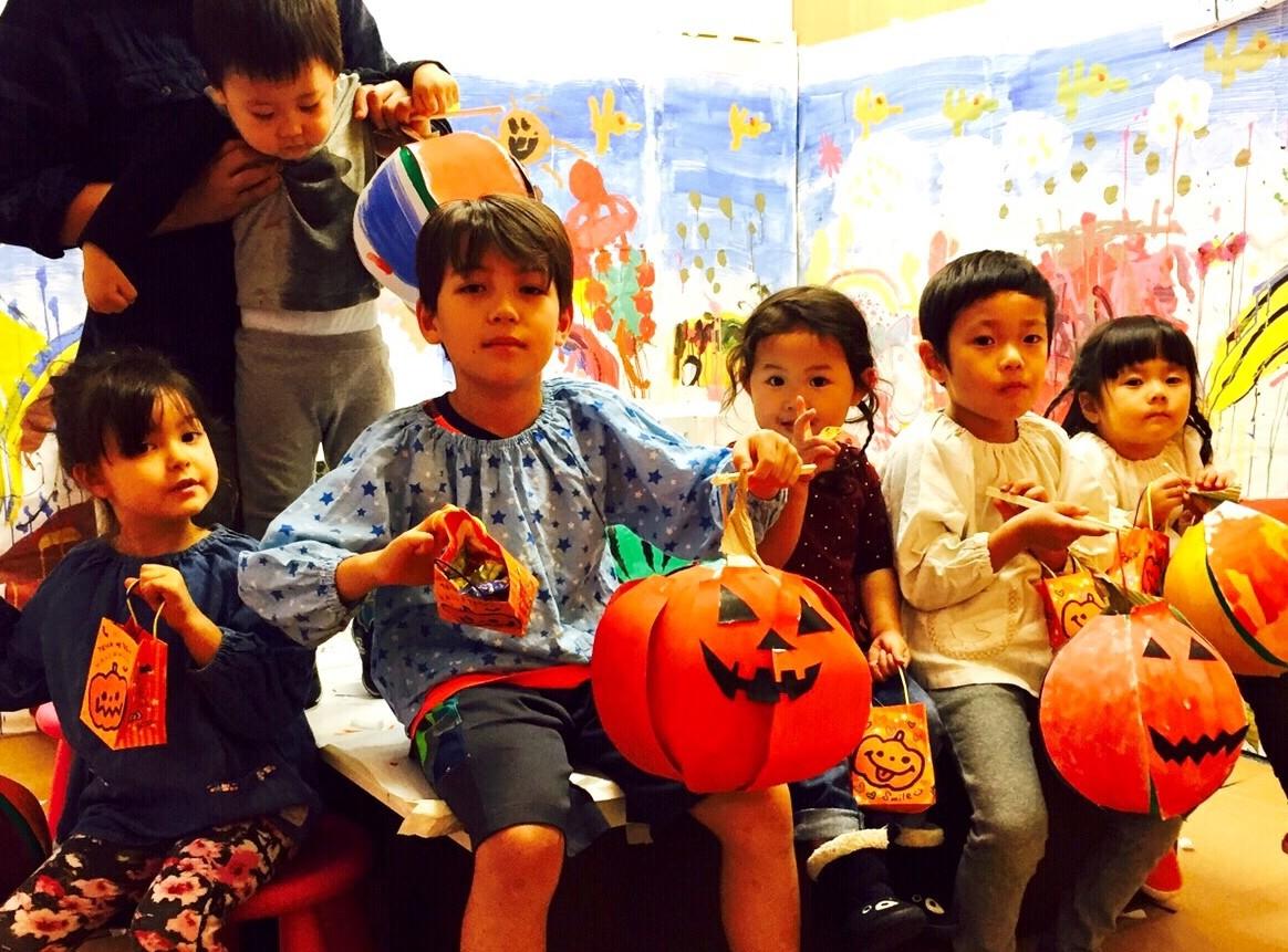 大阪の子供絵画 ウェブ&デザイン教室モネットスクール「ハロウィンかぼちゃランタン」を制作!