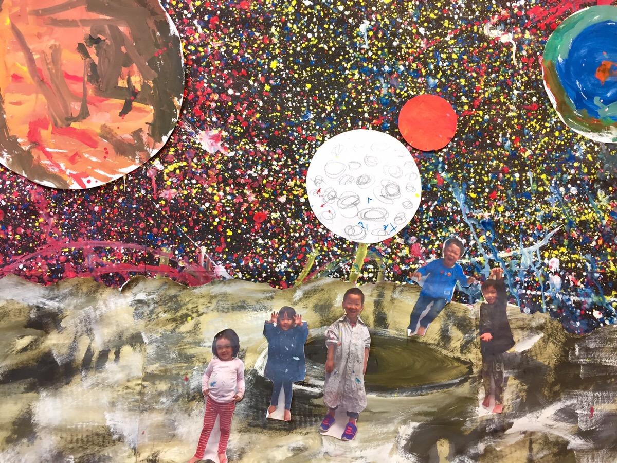 こどものアート お絵かきワークショップクラスで「宇宙」をつくる!大阪のモネットスクール