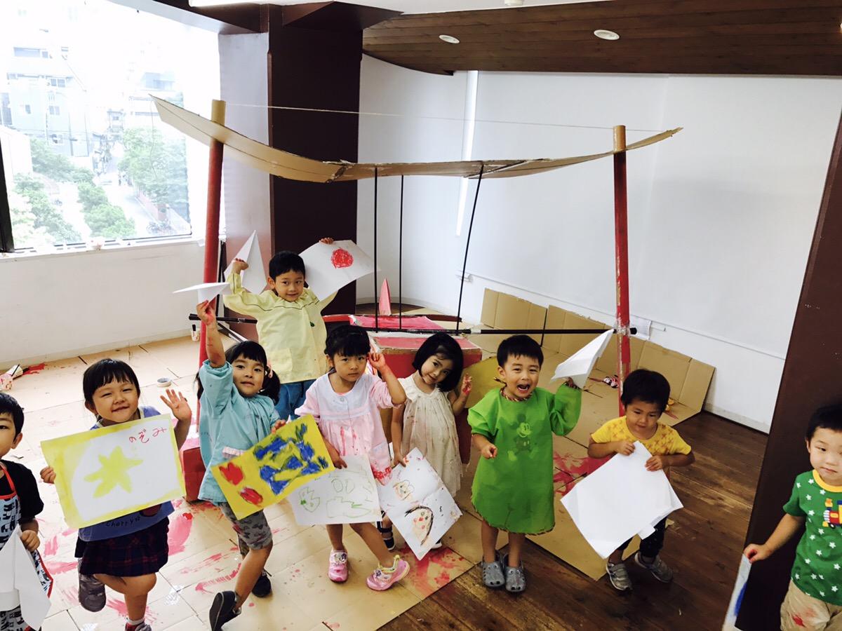 「紅の豚」の飛行機を作る子供向けワークショップ
