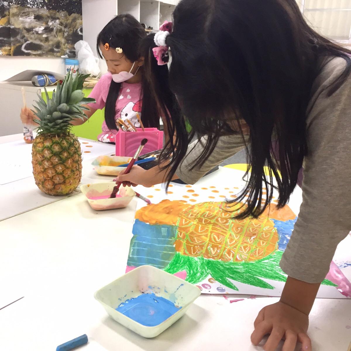 イングリッシュ&アートクラス/デッサンクラス10月教室風景