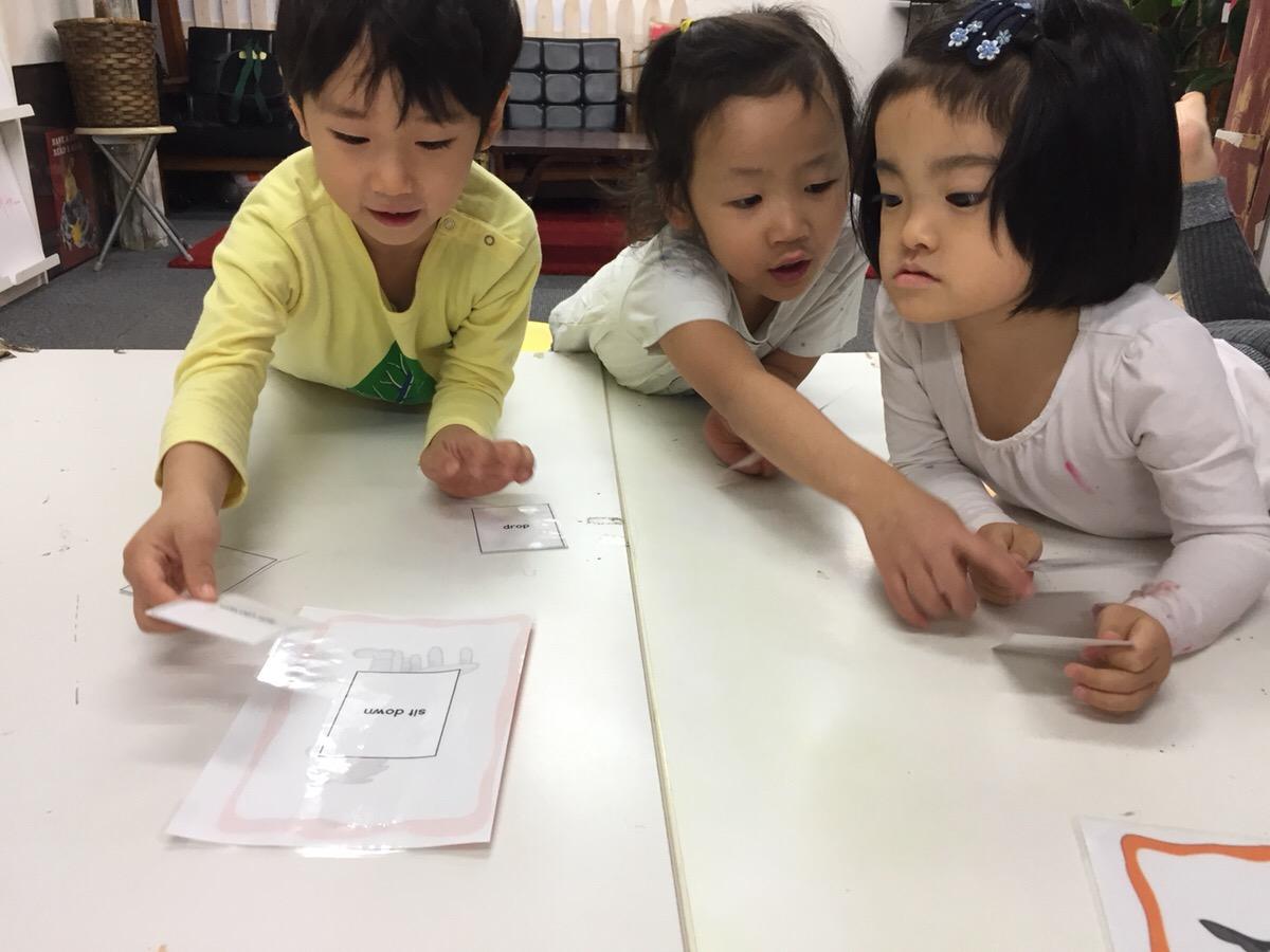 イングリッシュ&アートクラス/デッサンクラス11月教室風景