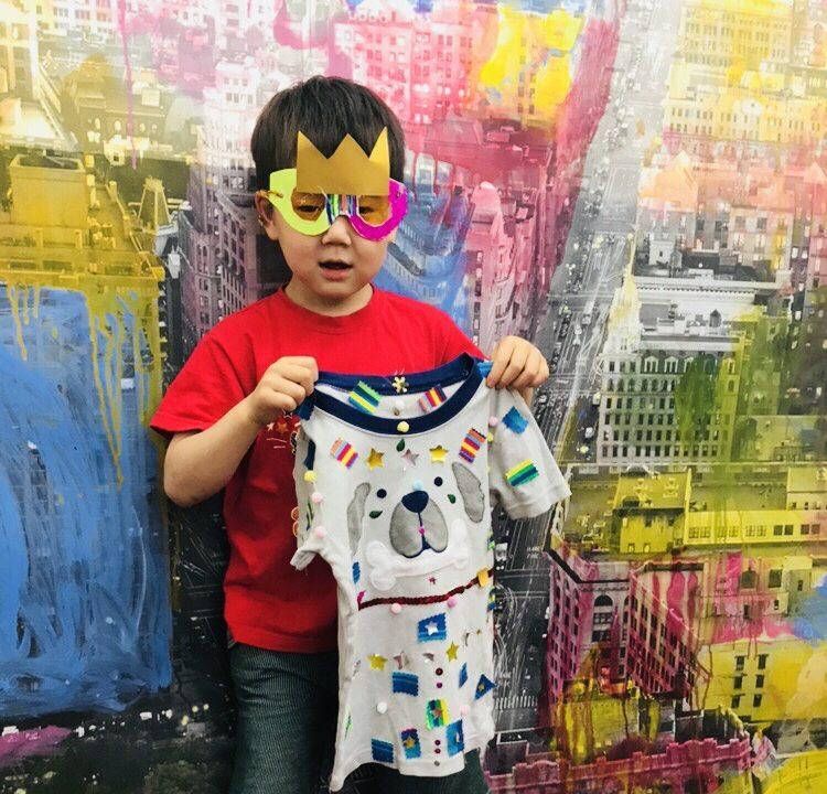 子どもたちが服をデザイン・手作りサングラスの工作 アート!キッズファッションショー