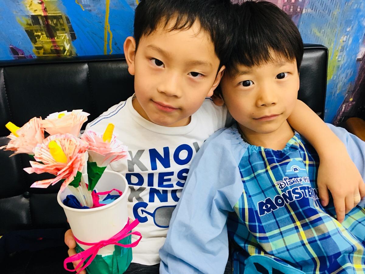 母の日の花を手作りで!子どもの工作 / 幼少期の新聞遊び!