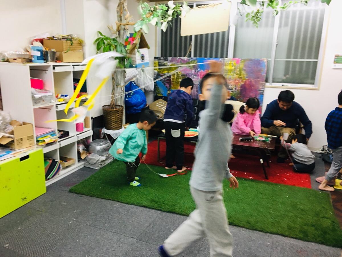 室内でできる凧あげ大会!凧の飛ぶ原理 (科学工作)