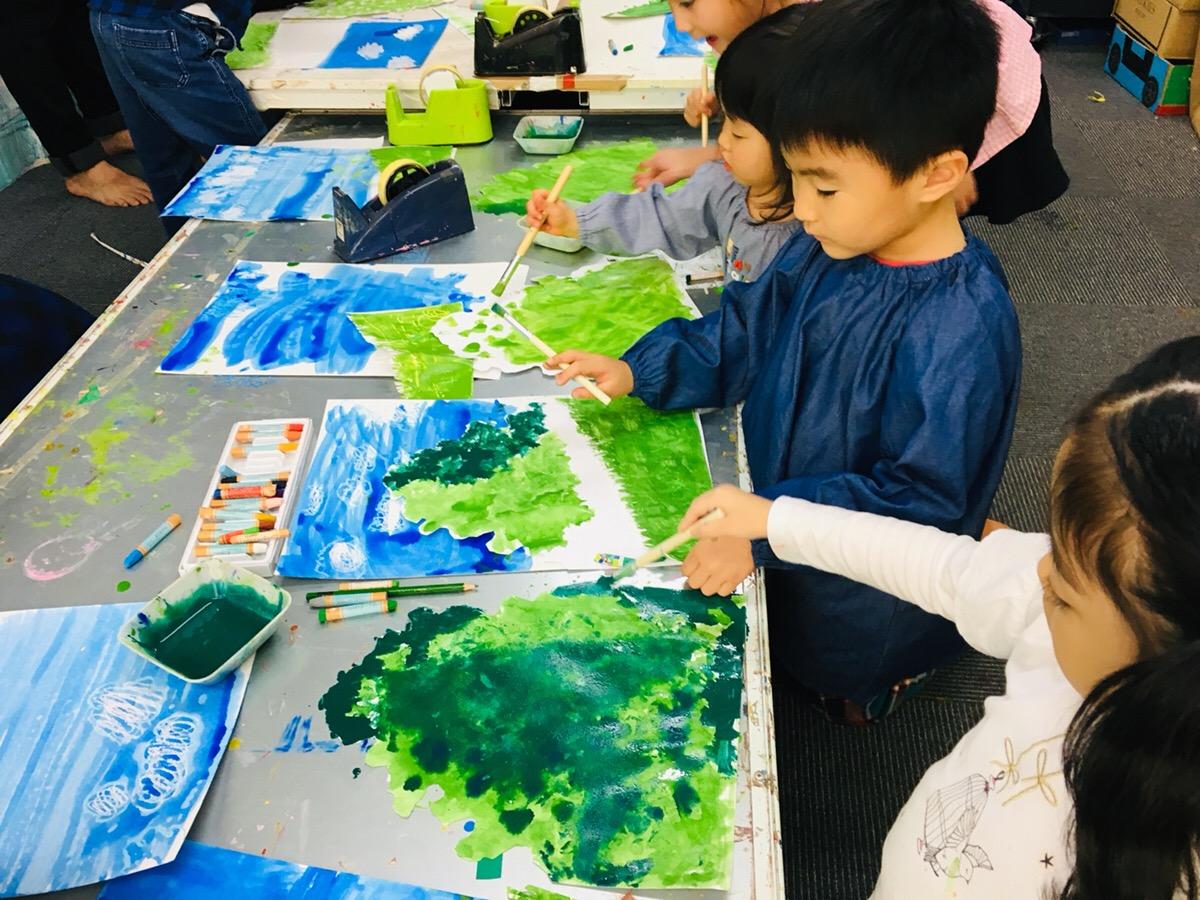 子供たちが「ジブリ風アート」に挑戦!「トトロの森」や「トトロ」の描き方