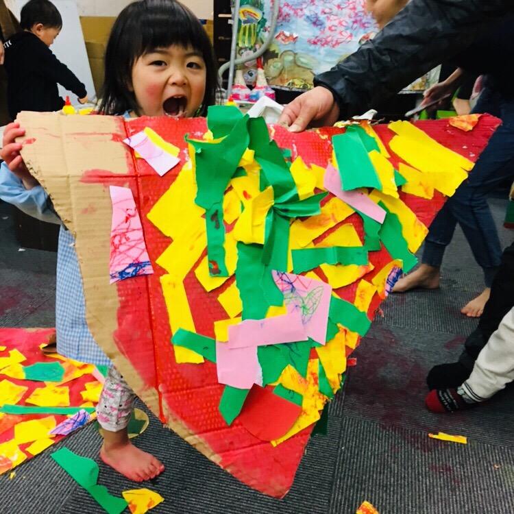 【巨大ピザ】絵の具の幼児アート!親子のアートスクール