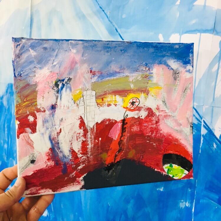 キャンバスとアクリル絵の具で子供たちがプロの画家に!